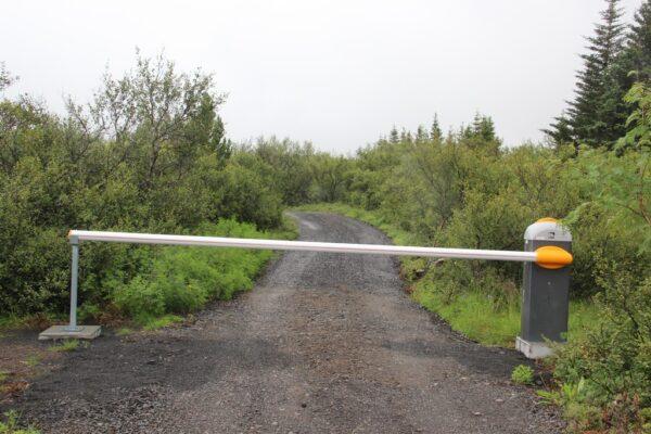 Gard8 bómuhlið Hreðavatn